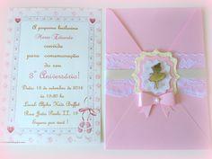 Convite em papel perolado  aplique de bailarina em acrilico espelhado  rendas e fitas decorativas  pode ser feito em todos os temas