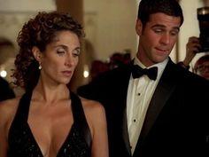 O que há entre Stella e Don Flack de CSI: New York? Descubra em http://r7.com/0nYk