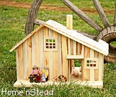 Little House Prairie Dollhouse Playset Family People House Furniture Accessories Natural Waldorf Cabin Dollhouse, Dollhouse Design, Dollhouse Miniatures, Wooden Fireplace, Wood Stove Cooking, Toy Barn, Loft Room, Rustic Table, Wood Pieces
