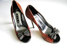 Gina shoes Mystique Red leather animal print crystal bow size 5