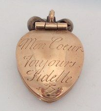 Token of love. Rose gold locket, c1800, French. ('My heart is always faithful')