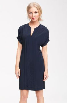 Taylor Dresses Pleated Crepe Shirtdress