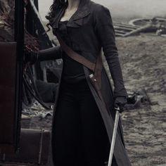 Arsinoe Story Inspiration, Character Inspiration, Brad Pitt, Castlevania Netflix, A Darker Shade Of Magic, Pirate Queen, High Fantasy, Dark Shades, Character Aesthetic