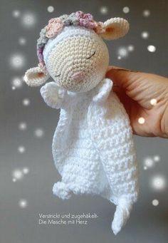 Crochet Lovey, Crochet Baby Toys, Crochet Patterns Amigurumi, Cute Crochet, Crochet Crafts, Crochet Dolls, Yarn Crafts, Baby Knitting, Crochet Projects