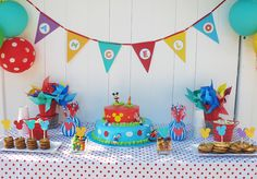 I like these ideas in more rich colors. I like the cake too!