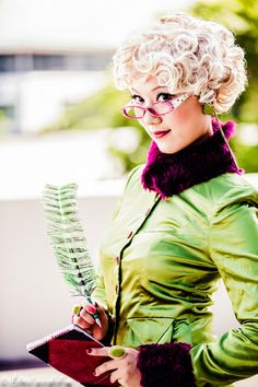 Rita Skeeter from Harry Potter cosplay.