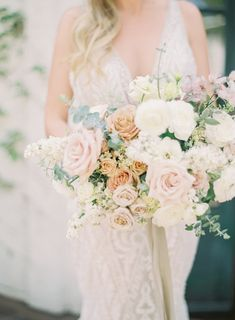 This wedding's color palette is what dreams are made of!
