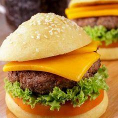 Keto Hamburger Buns - 💕 Kimspired DIY 💕 Keto Buns For Burgers, Low Carb Burger Buns, Keto Burger, Low Carb Bun, Low Carb Bread, Keto Bread, Keto Bagels, Hamburger Bun Recipe, Hamburger Buns