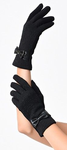 Lend yourself a ladylike hand, dear! These vintage inspired wrist length gloves are crafted in an all black floral jacquard knit design with a dash of stretch, lightweight and snugly lined. Adorned with a sleek leatherette bow and outfitted with texting t 1940s Fashion, Vintage Fashion, Winery Bridal Showers, Texting Gloves, Dress Gloves, Neck Scarves, Knitting Designs, Unique Vintage, Vintage Style