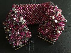 Beaded Jewelry Designs, Handmade Beaded Jewelry, Handcrafted Jewelry, Diy Jewelry, Jewellery, Seed Bead Flowers, Beaded Flowers, Seed Beads, Beadwork