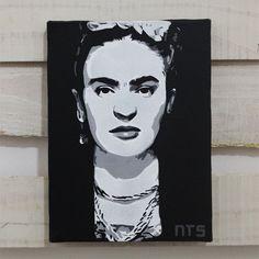 Quadro Frida Kahlo em tecido artístico 100% algodão com pintura em tinta acrílica, tecnica de stencil.  #art #stencil #quadro #NTSart #artistic