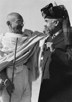 Mahatma Gandhi's Birth Anniversary: 100 Rare Photos You Must See Mahatma Gandhi Photos, Subhas Chandra Bose, Indira Gandhi, History Of India, Modern History, Rare Photos, Historical Photos, Photoshop, Movies