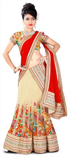 Searching for a designer #lehenga for your wedding? Check this out!  #bride #IndianWedding #partywear