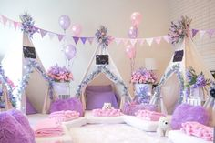 Spa Sleepover Party, Birthday Sleepover Ideas, Girl Spa Party, Girl Sleepover, Birthday Party For Teens, Slumber Parties, Birthday Party Themes, Themed Parties, Pamper Party