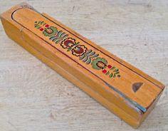 Ancien coffre à crayons en bois à 2 étages