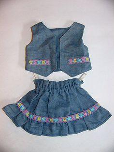 aeltere-Puppenkleidung-Rock-mit-Weste-Jeans-Landhausstil-Handarbeit-niedlich