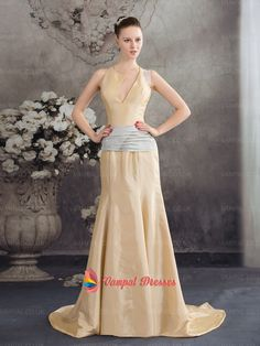 138.00$  Watch now - http://virpm.justgood.pw/vig/item.php?t=cun0705029 - Unique Champagne Mermaid Plunged Neckline Taffeta Prom Dresses 2015 With Sashes