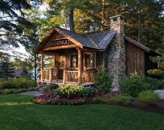 Why You Should Consider Buying a Log Cabin - Rustic Design Log Cabin Living, Log Cabin Homes, Cottage Homes, Log Cabins, Cabana, Tiny House Cabin, Little Cabin, Cabins And Cottages, Cabins In The Woods