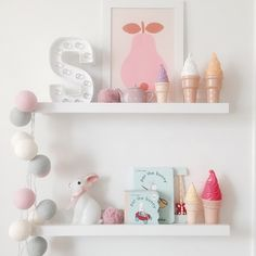 Darling girl's room shelf styling by sasha_0418 on Instagram