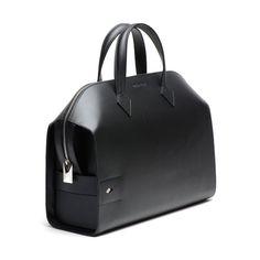 Bolso Holmes en negro, tamaño grande. Fabricado en piel.