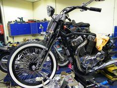 http://www.ebay.ch/itm/Springer-Gabel-einbaufertig-VS-1400-Intruder-mit-TUV-/300807615798?hash=item460987f536