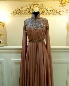 Abaya Fashion, Muslim Fashion, Modest Fashion, Fashion Dresses, High Street Fashion, Couture Mode, Couture Fashion, Abaya Mode, Hijab Stile