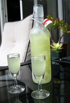 Limoncello made with lime