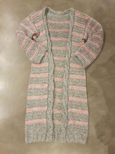 Eine leichte #Strickjacke für den Frühling aus pinkem und grauem #PhilLolita von @phildar.  #strickenentspannt #strickenistmeinyoga #strickliebe #stricken #strickenisttoll #strickenmachtglücklich #strickenmachtsüchtig #strickoholics #Strickwahn #knittinginspiration #knittingaddict #knittersofipinterest #knitterlicious #yarnlove #handgestrickt #knitspiration