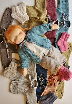 need to knit some clothing for my dolls