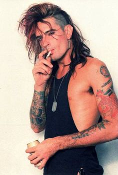 <b>Tommy Lee turned 50-YEARS-OLD yesterday. 50!!!!</b> Let's reminisce about how pretty he was back then.