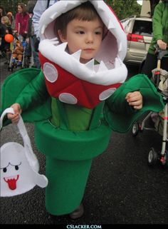 Piranha Plant Costume - This is adorable! Think I can make it? Mario Cosplay, Mario Costume, Baby Costumes, Halloween Costumes For Kids, Halloween 2017, Halloween Diy, Cosplay Costumes, Happy Halloween, Mario Character Costumes
