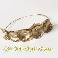 """""""Newborn gold rosette #littlemissmilliesboutique #newborngirl#itsagirl #expectingagirl #headbands #handmade #gold"""""""