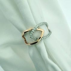 This 14kt white and rose gold fashion ring is everything! #allisonkaufman #rosegold #diamonds #fashionring