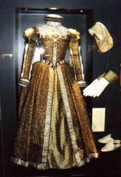 Mary, Queen of Scots - Her Dress  Accused of attempting to usurp Elizabeth I and was eventually beheaded.