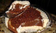 Imagem: Gisele Gonçalves        Ingredientes    200 gramas de margarina para massas e cremes ou manteiga sem sal  1 lata de leite...