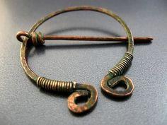 Celtic Brooch Pin (etsy)