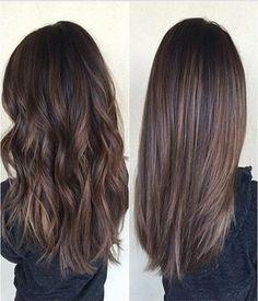 Idée Tendance Coupe & Coiffure Femme 2017/ 2018 : couleur de cheveux marron glacé, cheveux longs femme idee coiffure pour cheveux...