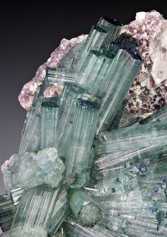 Elbaite with Lepidolite (Pederneira claim, Sao Jose da Safira, Doce valley, Minas Gerais, Brazil)