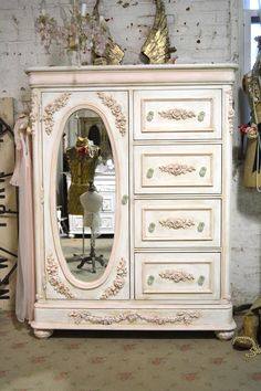 Painted Cottage C-hic Shabby Romantic French Dresser / Armoire/ Chest Shabby Chic Rustique, Blanc Shabby Chic, Shabby Chic Pink, Rustic Shabby Chic, Shabby Chic Bedrooms, Shabby Chic Kitchen, Shabby Chic Homes, Shabby Chic Style, Painted Cottage