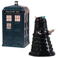 Image from http://www.geekalerts.com/u/Tardis-Vs-Dalek-Salt-Pepper-Shakers.jpg.