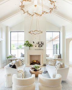 Decor, Farm House Living Room, Dream Living Rooms, Living Room Dyi, Home Decor, Living Room Trends, Gold Living Room, Rustic Living Room, Simple Living Room
