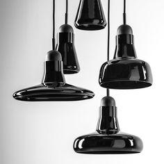 Combo Design is officieel dealer van Brokis ✓ Shadows lampen makkelijk te bestellen ✓ Gratis verzending (NL) ✓ Altijd de beste prijs ✓ Deskundig advies Decorative Bells, Modern, Ceiling Lights, Lighting, Pendant, Design, Home Decor, Corning Glass, Trendy Tree