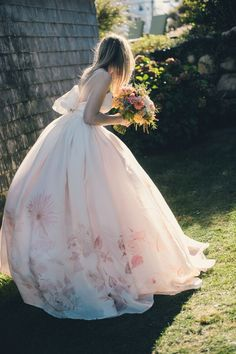 pink wedding gown with flower detail Perfect Wedding, Dream Wedding, Wedding Story, The Bride, Pink Wedding Dresses, Gown Wedding, Printed Wedding Dress, Floral Wedding Gown, Diy Wedding Dress