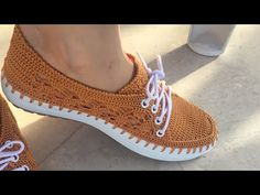 Stylish and Elegant Summer Lace patterned Shoes Making 1 Section # mesh shoes Crochet Shoes Pattern, Shoe Pattern, Crochet Sandals, Crochet Slippers, Knit Shoes, Lace Up Shoes, Minimalist Outfit, Crochet Cord, Crochet Patron