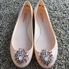 Blush Blingy Ted Baker Flats I bought these adorable flats in London, for my wedding! I paid 65 British pounds ($95 USD). The texture is jelly/platicy. Worn twice. They are US size 9, UK size 7. #tedbaker #tedbakershoes #jellies #blushpinkshoes #blush #flats #bling Ted Baker Shoes Flats & Loafers