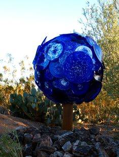 Blue glass tree :: Dale Chihuly glass sculptures at the Desert Botanical Garden in Phoenix, Arizona