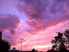Discovered by のɑңℓιɑ. Find images and videos about love, beautiful and photography on We Heart It - the app to get lost in what you love. Pretty Sky, Beautiful Sky, Beautiful Pictures, Roses Tumblr, Lilac Sky, Pink Purple, Light Purple, Look At The Sky, Sky Aesthetic