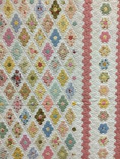 Blue Mountain Daisy: The Springwood Quilt Show 2015. THE 'Insanity' quilt by Rhonda Pearce.