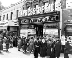 1955 General Election. Stratford Express Office. 27 May 1955.