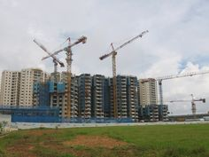 Choosing Between Under Construction and Ready to Move Homes in Noida